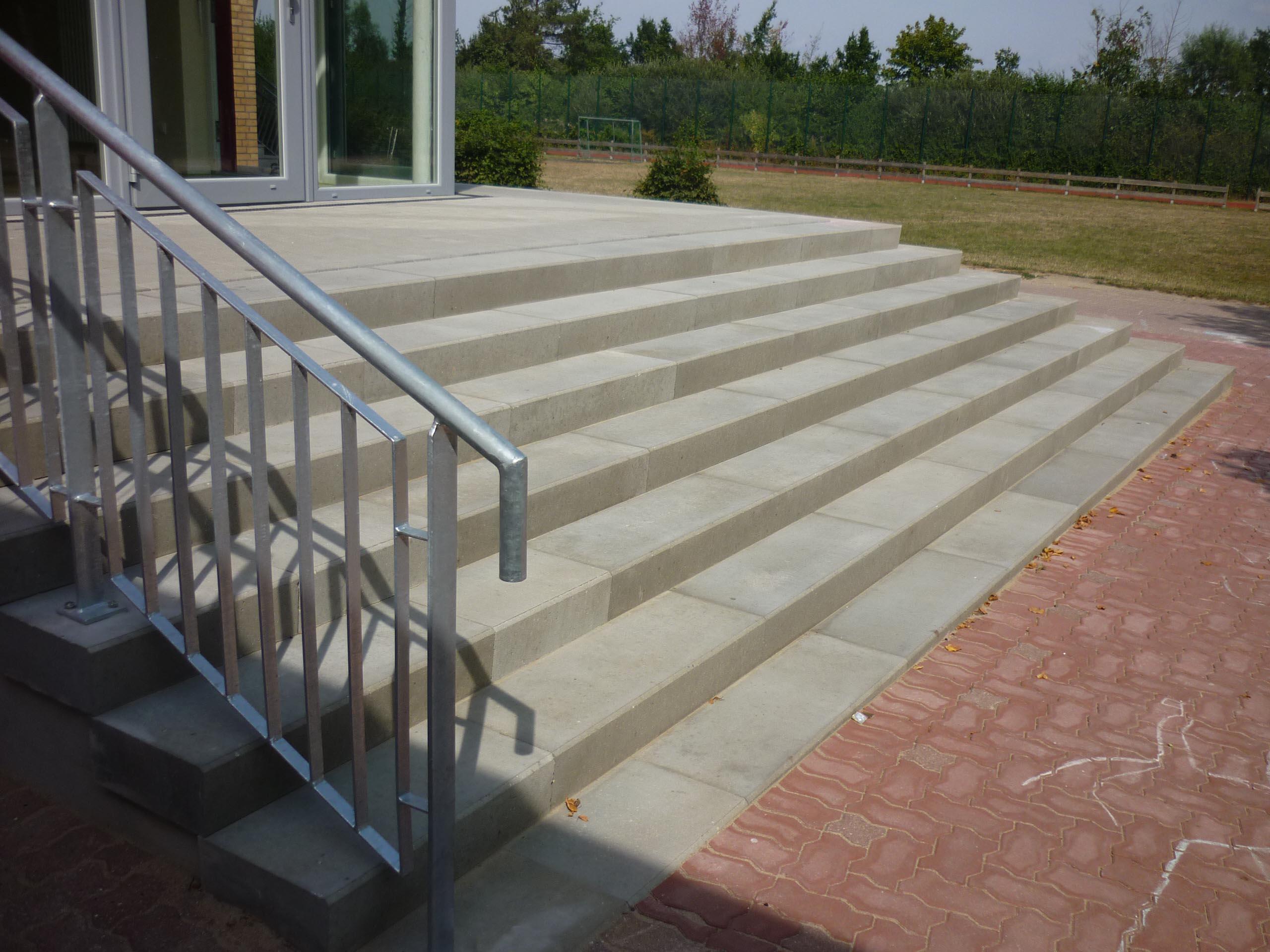 treppenanlage grundschule scharbeutz - rebmann betonsteinwerk gmbh