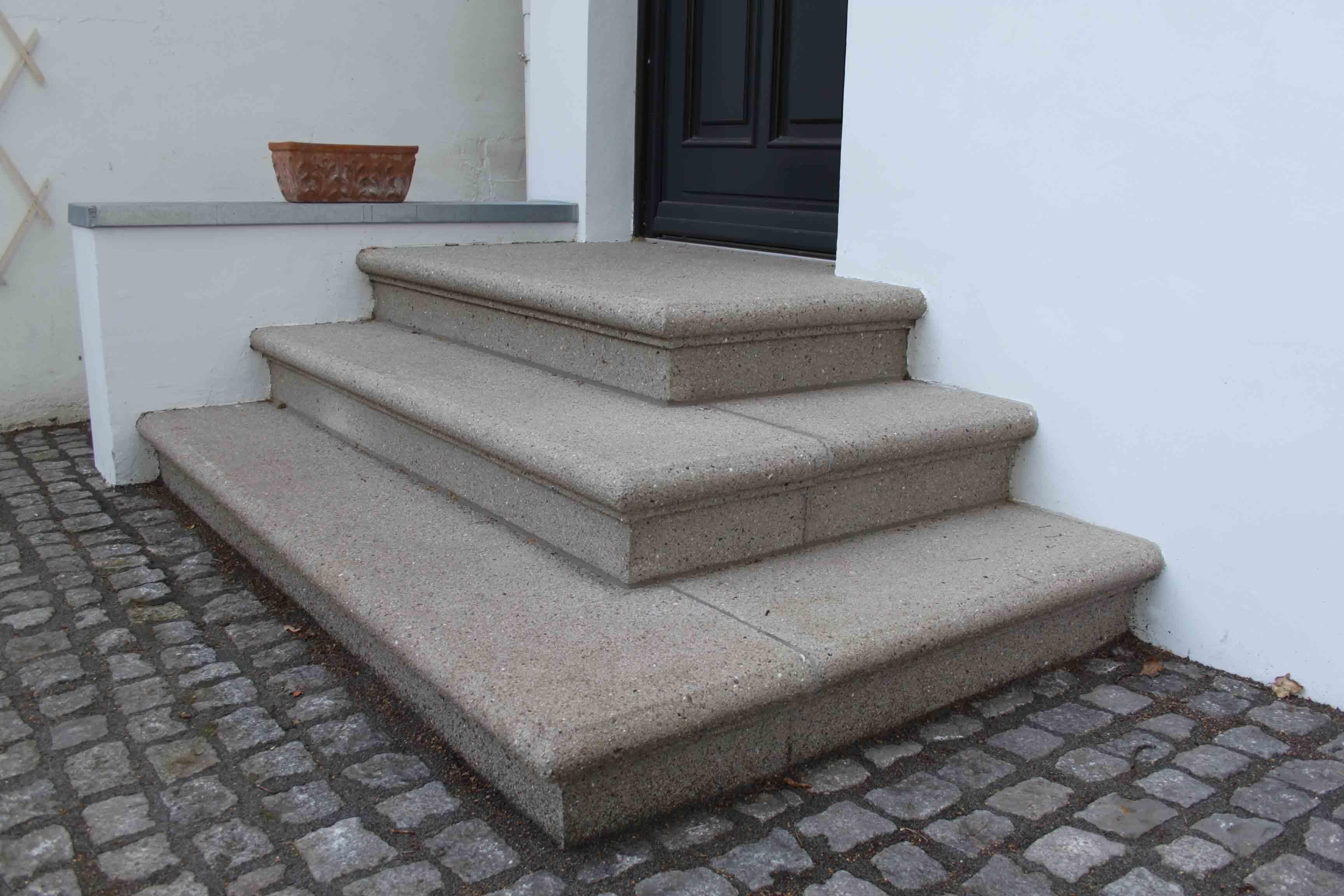 hamburger rundprofilstufen rebmann betonsteinwerk. Black Bedroom Furniture Sets. Home Design Ideas