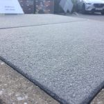 zusätzlich im Angebot: Keramische Terrassenplatten, Naturstein, Kermikverbund  mit Beton, Pflastersteine